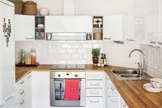 Topi-keittiö oli asunnossa valmiina, mutta uudet työtasot haettiin…