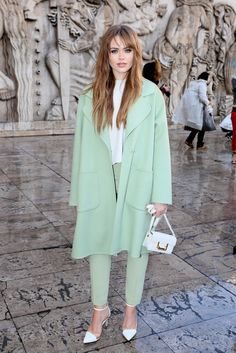 Kristina Bazan in Rochas Colourful Outfits, Colorful Fashion, Love Fashion, Paris Fashion, Green Outfits, Green Fashion, Spring Street Style, Street Chic, Chic Outfits