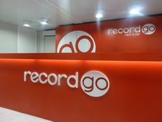 Oficina de Record Go en el parking del aeropuerto de Alicante.  #carhire #alquilercoche #aeropuerto #airport