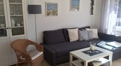 Wohnzimmer Ferienhaus Roese in Norddeich Sofa, Couch, Love Seat, Furniture, Home Decor, Beach Tops, Sitting Rooms, Settee, Settee