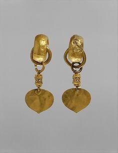 Earring Period: Three Kingdoms period, Silla kingdom (57 B.C.–A.D. 668) Date: Gaya federation (42–562), late 5th–early 6th century Culture: Korea Medium: Gold