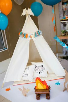 1st Birthday Boy Themes, Wild One Birthday Party, Baby Boy Birthday, Boy Birthday Parties, Birthday Party Decorations, Indian Party Themes, Teepee Party, Fox Party, Festa Party