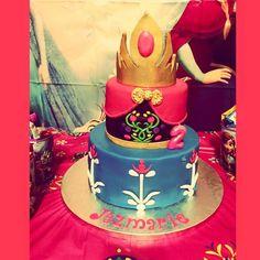 Anna inspired cake - Cake by TAINAKITCHEN