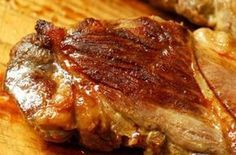 pork steak in cast iron pan Steak Recipes, Cooking Recipes, Swiss Steak, Romanian Food, Hungarian Recipes, Meat Lovers, Pork Dishes, Food 52, Curry