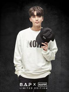 Youngjae Bap Youngjae, Himchan, Boy Groups, Kdrama, Bomber Jacket, Graphic Sweatshirt, Kpop, Guys, Sweatshirts