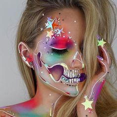 Make-up artist Vanessa Davis, aka Skulltress, has specialized in very . - Happy Halloween - Make-Up Techniken Face Paint Makeup, Sfx Makeup, Costume Makeup, Makeup Brushes, Prom Makeup, Beauty Makeup, Makeup Cosmetics, Body Makeup, Beauty Tips