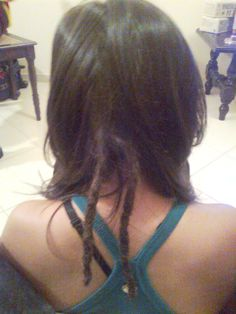 Locks com alongamento nos cabelos de Isadora de Panambi - RS