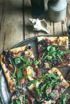 From The Kitchen: Waiheke Pizza - with Figs, Grapes, Blue Cheese & Prosciutto