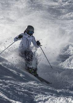 Alpine Skiing, Snow Skiing, Ski Ski, Helicopter Skiing, Snow Holidays, Snow Fashion, Vintage Ski, Sports Activities, Extreme Sports