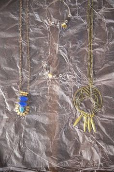 Prevent your jewelry from tangling with cling film.