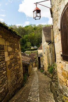 Beynac-et-Cazenac, Dordogne, Aquitaine, Périgord_ France France Area, Beaux Villages, Dordogne, Deep Forest, Places To Visit, River, Country, City, Beautiful