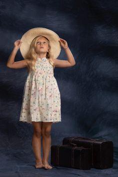 Ariadna Dresses, Fashion, Infant Photography, Globes, Fotografia, Vestidos, Moda, Fashion Styles, Dress