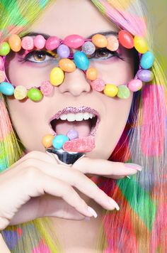 Showcase of 30 Sweet Candy Girls Fashion Photography - 26 Paletas Chocolate, Fashion Fotografie, Candy Costumes, Sweet Like Candy, Candy Makeup, Candy Shop, Candyland, Confectionery, Candy Colors