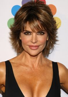 Latest Popular Layered Short Razor Cut from Lisa Rinna - Styles Weekly Short Hairstyles For Thick Hair, Braided Hairstyles For Black Women, Short Hair With Layers, Short Hair Cuts, Short Hair Styles, Lisa Hair, Hair Styles For Women Over 50, My Hairstyle, Hairstyle Ideas