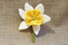 Needle Felted Daffodil Flower Pin Brooch White and Yellow