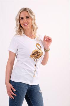 Beyaz Flamingo Baskılı Ve İşleme Detaylı TshirtKumaş Cinsi  :%100 PamukModelin Ölçüleri : 1.68cm / 36 BedenModelin Üstündeki Beden : SYıkama Talimatı:Ürünün iç etiket bölümünde gerekli yıkama talimatı yer almaktadır. T Shirts For Women, Tops, Fashion, Moda, La Mode, Shell Tops, Fasion, Fashion Models, Trendy Fashion