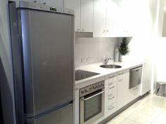 Resultado de imagem para maquina de lavar roupa na cozinha