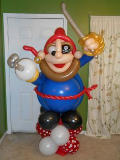 6ft Tall Balloon Pirate http://patriciaballoona.wordpress.com/2014/01/11/306th-balloon-sculpture-pirate-jumbo/