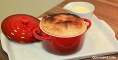 suflê de goiabada com calda de catupiry / guava soufflee with cheese sauce