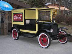 1921 Ford Model T Coca-Cola Delivery Truck Coca Cola Poster, Coca Cola Ad, Always Coca Cola, Pepsi, Old Ford Trucks, Classic Chevy Trucks, Classic Cars, Pickup Trucks, Chevy Classic
