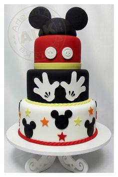 Bolo decorado do Mickey Mouse Bolo Do Mickey Mouse, Fiesta Mickey Mouse, Bolo Minnie, Mickey Cakes, Mickey Mouse Parties, Minnie Mouse Cake, Mickey Party, Disney Parties, Parties Kids