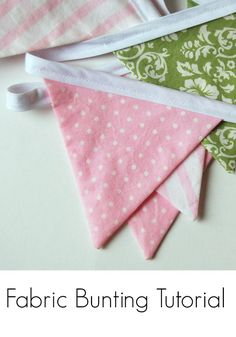 fabric bunting tutorial - this could be sewn in any holiday fabric. Perfect project for easy changing during the year!