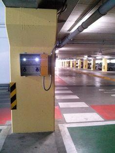 Il centralissimo parcheggio coperto di Prato all'interno della stazione del Serraglio è stato dotato di un innovativo sistema di ricarica custom dedicato ai clienti dell'omonimo parcheggio.  Il Wall Box, creato da In-Presa, si mostra come un prodotto adeguato e quindi installabile in modo seriale permettendo la ricarica solo ad utenti autorizzati.