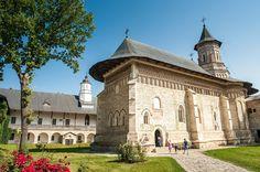 Biserica Mănăstirii Neamț (1495-1497),  comuna Vânători-Neamț, satul Mănăstirea Neamț, ctitor Ștefan cel Mare