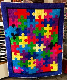Puzzle Quilt – Sew Happy Fabrics - Autism Awareness Quilt - I like the pieces not in place Puzzle Pieces, Quilt Block Patterns, Quilt Blocks, Puzzle Quilt, Quilt Storage, Quilted Throw Blanket, Barn Quilts, Sewing Projects, Duvet