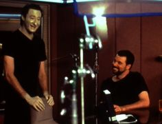 Brent Spiner and Jonathan Frakes Star Trek Cast, Watch Star Trek, Star Trek Generations, Jonathan Frakes, Captain Janeway, Deep Space 9, Hot Dads, Star Trek Original, Star Wars