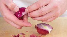 Învăţaţi să faceţi macerat de CEAPĂ în VIN alb: este un elixir pentru curăţirea venelor şi arterelor de DEPUNERI - Top Remedii Naturiste Clean Arteries, Tea Cafe, Natural Remedies, Cleaning, Vegetables, Healthy, Apothecary, Toe, Varicose Veins