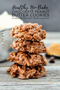 Healthy No-Bake Chocolate Peanut Butter Cookies! With only 8 good-for-you ingredients, they're a delicious treat you can feel great about eating! desserts Healthy no bake chocolate peanut butter cookies Healthy No Bake Cookies, Healthy Sweets, Healthy Dessert Recipes, Healthy Baking, Dairy Free No Bake Cookies, Healthy Fats, No Sugar Cookies, Chip Cookies, Healthy Chocolate Desserts