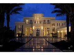 art deco style exterior 10 Hot Trends for Adding Art Deco into your Interiors Arte Art Deco, Estilo Art Deco, Art Deco Stil, Art Deco Home, Bar Interior, Interiores Art Deco, Deco Restaurant, Florida Design, Luxury Homes Dream Houses
