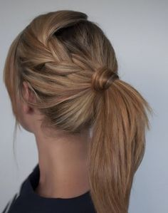 Ponytail con trenza simple lateral
