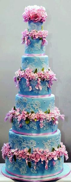 Elizabeth Cake Emporium - fabulous pink and blue tower.