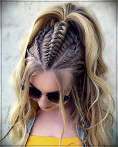 Learn all styles of this cool hair! Who would say no to a practical and cool hair style, half braided? Half-braided hairstyles have often appeared recently. In this case,. Braided Ponytail Hairstyles, Box Braids Hairstyles, Loose Hairstyles, Girl Hairstyles, Cool Hairstyles For Girls, Braid Ponytail, Top Braid, Bohemian Hairstyles, Cool Braids