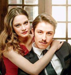 Vatanım Sensin oyuncularından olan Miray Daner ve Boran Kuzumla çok özel röportaj haberin detayları için tıklayınız.