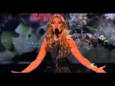 """VIDEO. Attentats de Paris : Céline Dion rend hommage aux victimes en chantant """"L'hymne à l'amour"""" - http://www.camerpost.com/35499-2/?utm_source=PN&utm_medium=CAMER+POST&utm_campaign=SNAP%2Bfrom%2BCAMERPOST"""