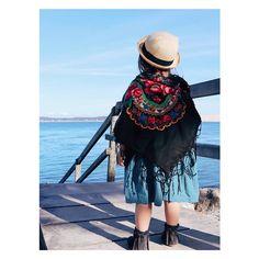 """93e7951ea5c Le Bazar des poupées Russes on Instagram  """"Notre foulard Folk voyage  partout ! Rose porte le Folk noir pour réchauffer ses petites épaules du  vent frais de ..."""