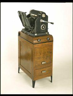 Early photocopier.  British 1929 des. Raymond Loewy man. Gestetner