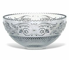 The Baccarat Clear crystal Arabesque bowl has a great variety of detailing that accentuates the striking artistry of Baccarat's savoir-faire. Baccarat Crystal, Crystal Glassware, Table Accessories, Decorative Accessories, Arabesque, Cut Glass, Glass Art, Cultura General, Crystals In The Home