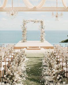 36 Glamorous Rose Gold Wedding Decor Ideas ❤ #weddingforward #wedding #bride #rosegoldweddingdecor #weddingdecor