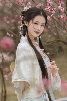 Dresses for Women Oriental Fashion, Asian Fashion, Japanese Beauty, Asian Beauty, China Girl, Chinese Clothing, Hanfu, Cheongsam, Beautiful Asian Women