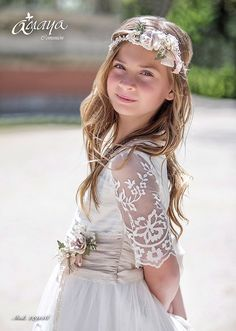 COMUNIÓN 2017 Communion Solennelle, Communion Dresses, First Communion, Outfit Bautizo, Kids Outfits, Cute Outfits, Girls White Dress, Wedding Beauty, Clothing Patterns