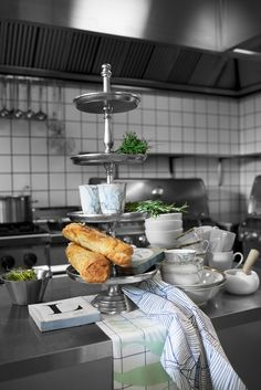 SPRING / SUMMER 2015, Lene Bjerre Design PALMIA COLL. Kitchen towel & MARBLIA COLL. Mug