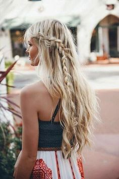 You can also opt for a mix of bohemian and perfect summer casual hairstyle. Summer Hairstyles, You can also opt for a mix of bohemian and perfect summer casual hairstyle. Source by belletag. Open Hairstyles, Casual Hairstyles, Everyday Hairstyles, African Hairstyles, Summer Hairstyles, Braided Hairstyles, Wedding Hairstyles, Hairstyle Ideas, Belle Hairstyle