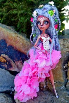 """Faewren"" custom OOAK monster high Isi Dawndancer doll by @LadySpoonArt"