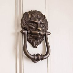 A handsome fellow! This Large Distressed Antique Brass Lion head Door Knocker is Made in the UK and superb quality. Front door decor at its finest. https://www.willowandstone.co.uk/ironmongery/large-distressed-antique-brass-lion-door-knocker.php