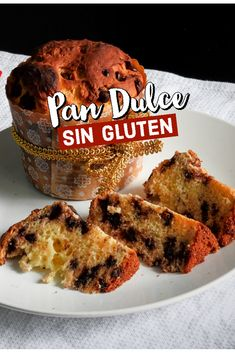 GLUTEN-FREE spongy SWEET BREAD with chocolate chips - You will never buy gluten free sweet bread again. The crumb will make you fall in love. Do you pref - Chocolate Sin Gluten, Chocolate Chips, Mexican Food Recipes, Sweet Recipes, Polish Recipes, Lactose Free, Sweet Bread, Cakes And More, Gluten Free Recipes