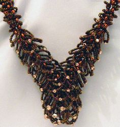 Swing Necklace with Doris Coghill Level: All Levels Technique: Bead Weaving